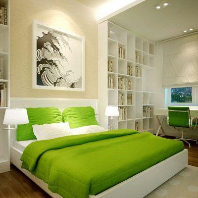 Яркая кровать