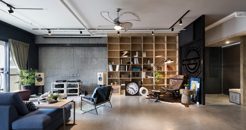 Лофт позволяет в рамках одного пространства совместить несовместимые вещи