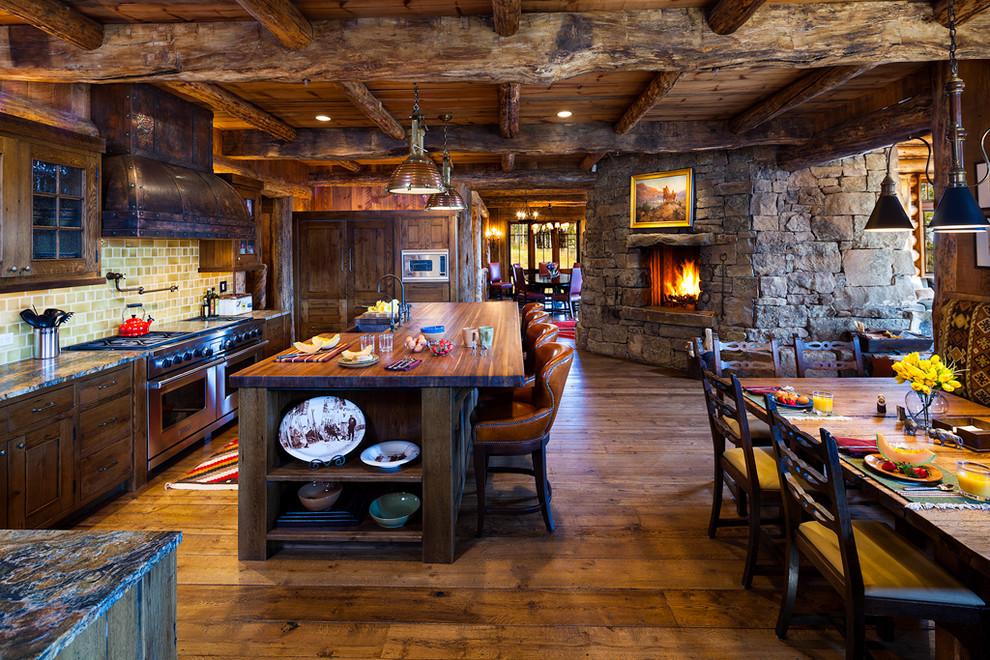 Особый шарм и привлекательность кухне в стиле шале придает мебель с темным фасадом