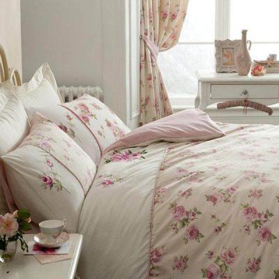 Шебби аксессуары в спальне на примере