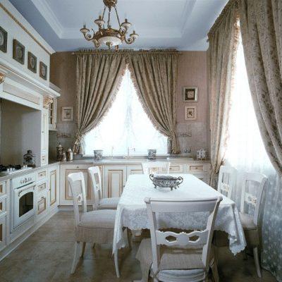 Шторы классика стиля на кухне на фото
