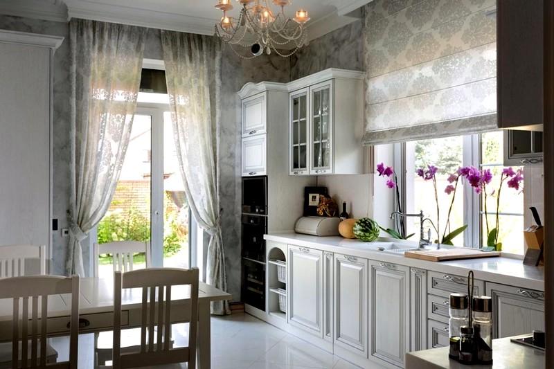 светлая мебель в кухонном интерьере