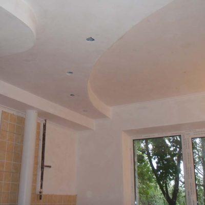 Белые уровневые потолки