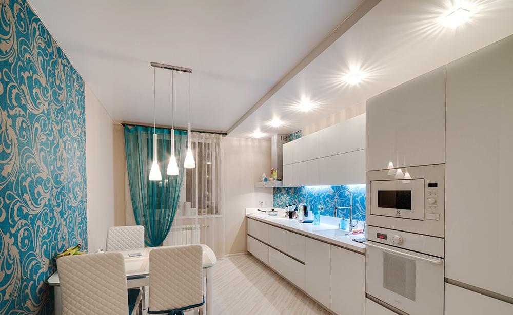 Варианты отделки потолков для кухни