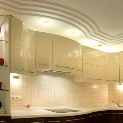 Белый уровневый потолок