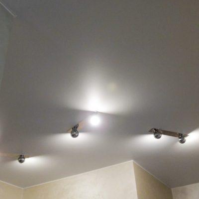 Бесшовный сатиновый потолок