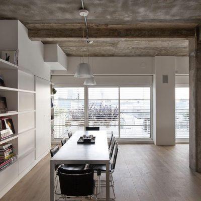 Бетонный потолок в стиле лофт в комнате