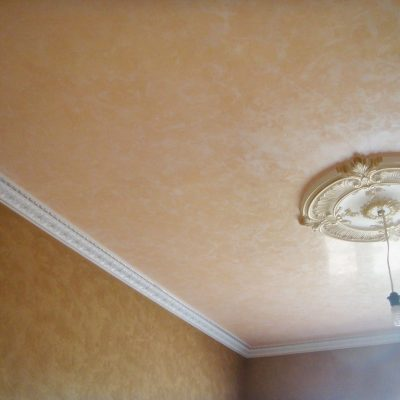 Венецианка на потолке