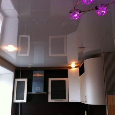 Глянцевый потолок фото