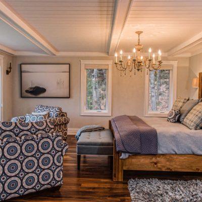 Деревянные потолки белые