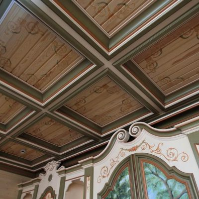 Деревянные потолки в доме
