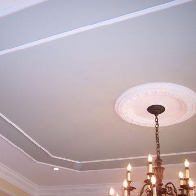Дизайн потолков с лепниной