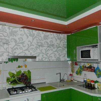 Зелёный потолок фото