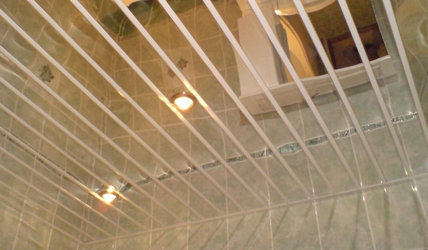 Подвесная конструкция реечного потолка для различных помещений