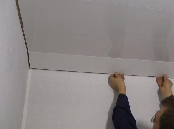 Как смонтировать потолок из панелей ПВХ своими руками