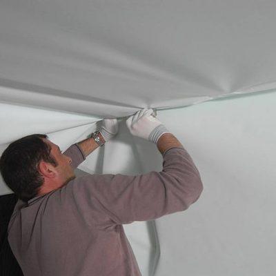 Монтаж тканевого потолка