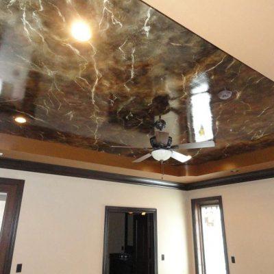 Мраморный потолок