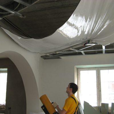 Натяжка потолка фото
