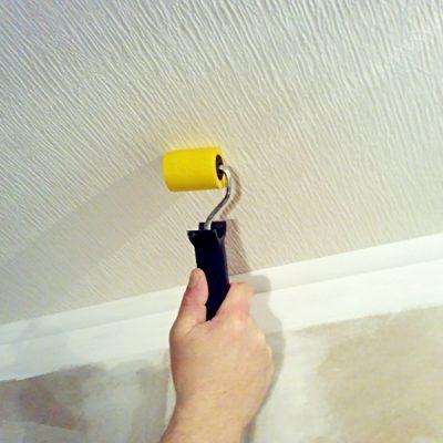 Обои под покраску для потолка