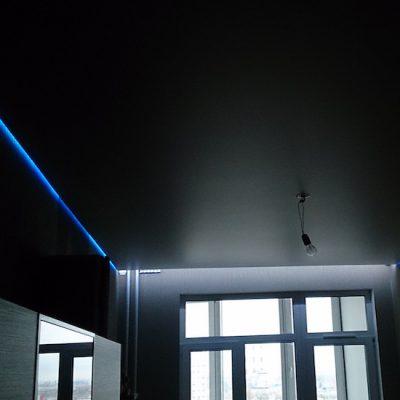 Парящий матовый потолок