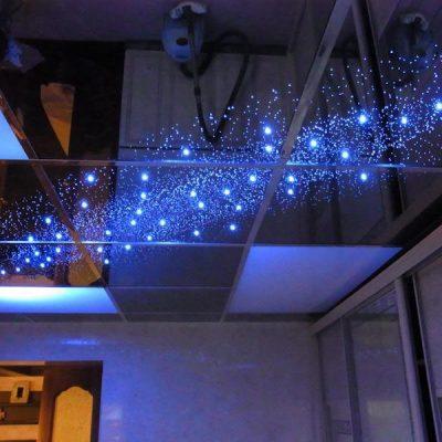 Потолок зеркальный в доме