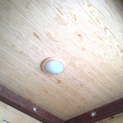 Потолок из фанеры