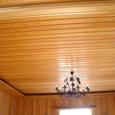 Потолок обшитый
