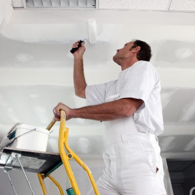 Потолок покрасить