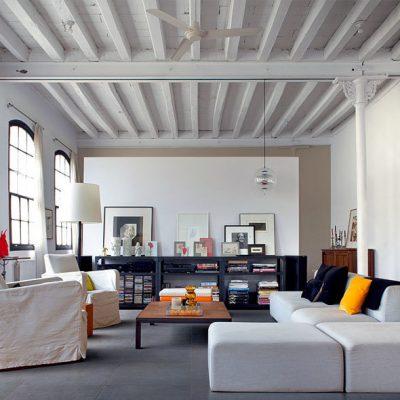 Потолок с балками лофт