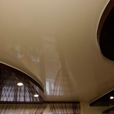 Потолок чёрный