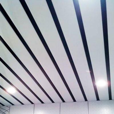 Реечный потолок белый фото
