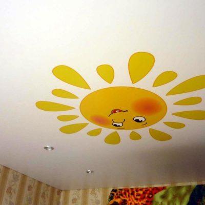 Солнышко на потолке