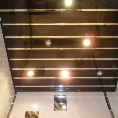 Чёрный потолок