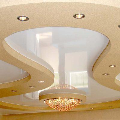 Фигурный уровневый потолок