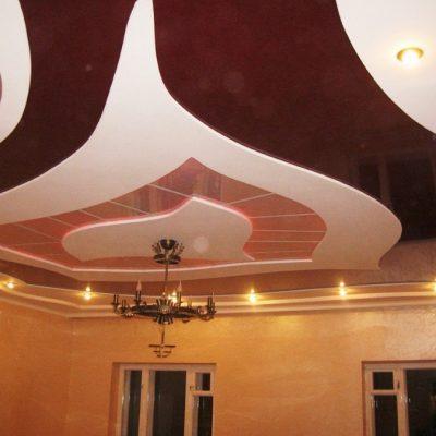 Потолок вишнёвый
