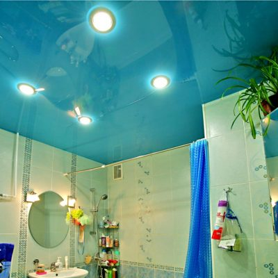 Потолок цвета морской волны