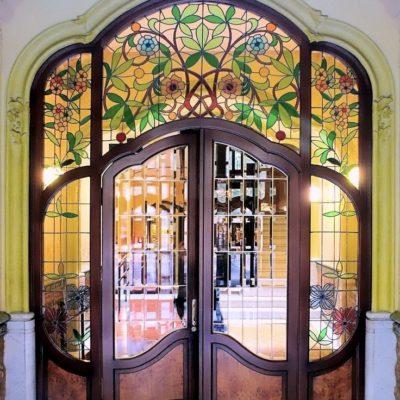 Необычные арочные двери