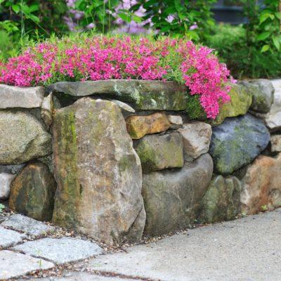 Подпорная стенка из крупного камня