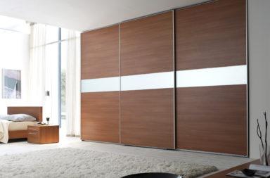 корпусный или встроенный шкаф